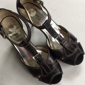 EUC Michael Kors leather heels